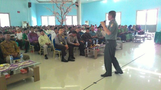 Danrem 162/WB Berikan Ceramah Wawasan Kebangsaan Kepada aparat Pemerintah Kabupaten Bima