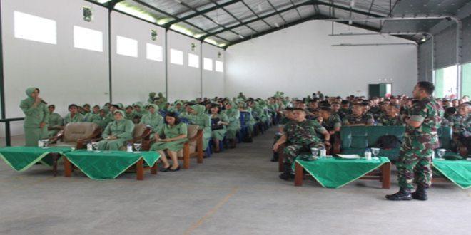 Penyuluhan Hukum Oleh Hukum Kostrad Kepada Prajurit dan Persit Yonkav 8/2 Kostrad