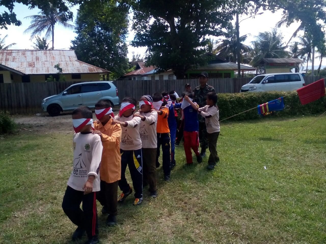 Satgas Yonif 411 Raider Kostrad Latih Outbond Pesantren Hidayatullah Jayapura