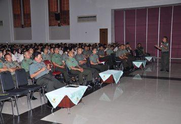 Anggota Makodiklat TNI AD Terima Bintal Terpadu Bidang Mental Kejuangan