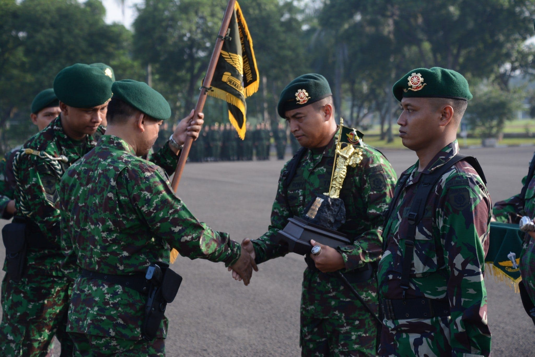 Yonif Para Raider 328/DGH Juara Umum Lomba Ton Tangkas Jajaran Divif I Kostrad 2016