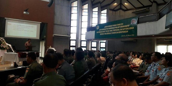 Umat Kristiani Prajurit Gabungan TNI/Polri se Garnizun Merayakan Ibadah Paskah TA. 2016
