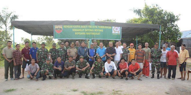 Gotong Royong Prajurit Pendam I/BB Bersama Masyarakat