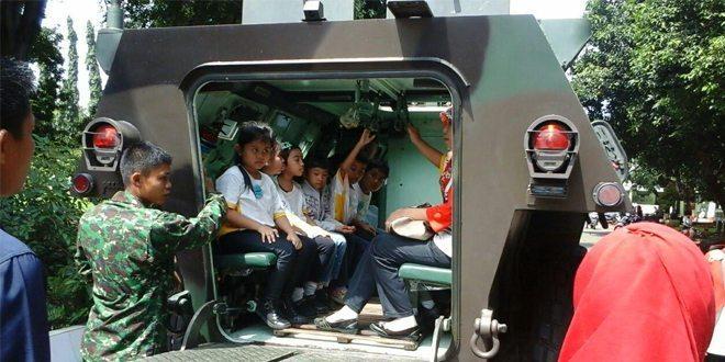 Study Tour SD Cakra Buana Depok di Yonif Mekanis 201/Jaya Yudha