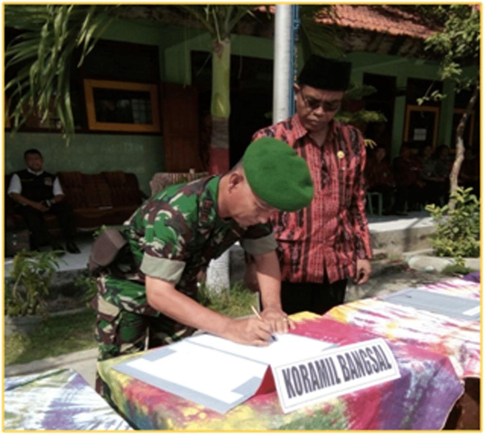 """Danramil 0815/10 Bangsal Dukung Giat """"Aksi Madrasah Bersih Narkoba"""""""