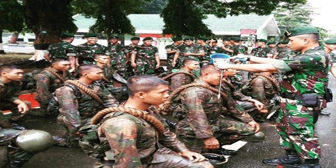 Danyonif Mekanis 201/Jaya Yudha Pimpin Tradisi Corps Penjemputan Warga Baru