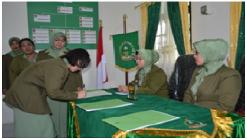 Serah Terima Jabatan Pengurus Persit Koorcab Rem 042 PD II/ Sriwijaya