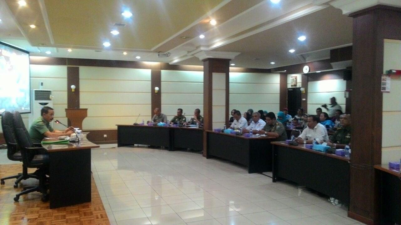 6416 Kasdam Jaya pimpin silaturahmi dengan warga RT 005 dan RT 006 RW 13 Kel. Cililitan Jaktim 1