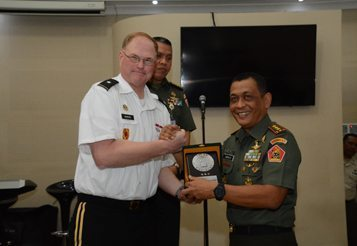 Wakil Direktur Strategi Kebijakan Dan Perencanaan Angkatan Darat Amerika Serikat Kunjungi Kodiklat TNI AD