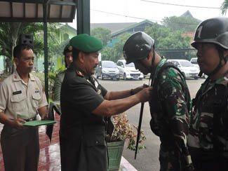Danpusdikkes Kodiklat TNI AD Tutup Diktukba TNI AD Tahap II Cab Kes Ta 2016