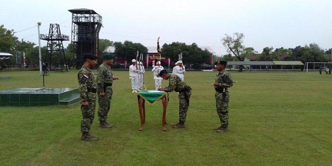 Mayor Inf Arif Munawar jabat Danyon Mekanis 413 Bremoro 26-4-16 2