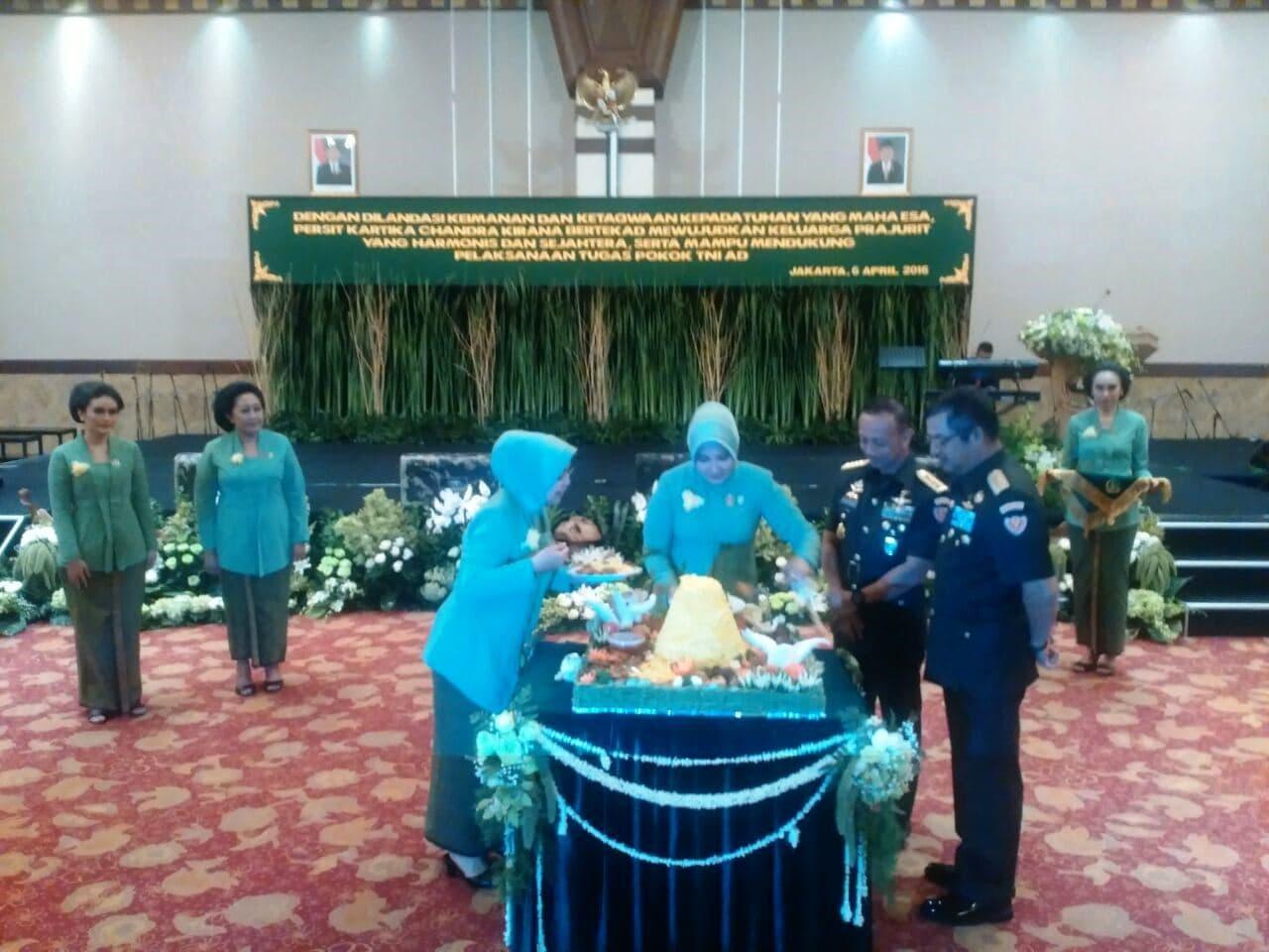 Pangdam Jaya Hadiri Acara HUT Persit KCK ke-70 di Balai Kartini a