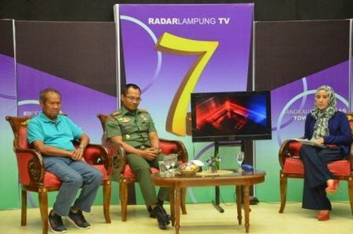 Danrem 043/Gatam Wawancara Live Dengan Radar TV