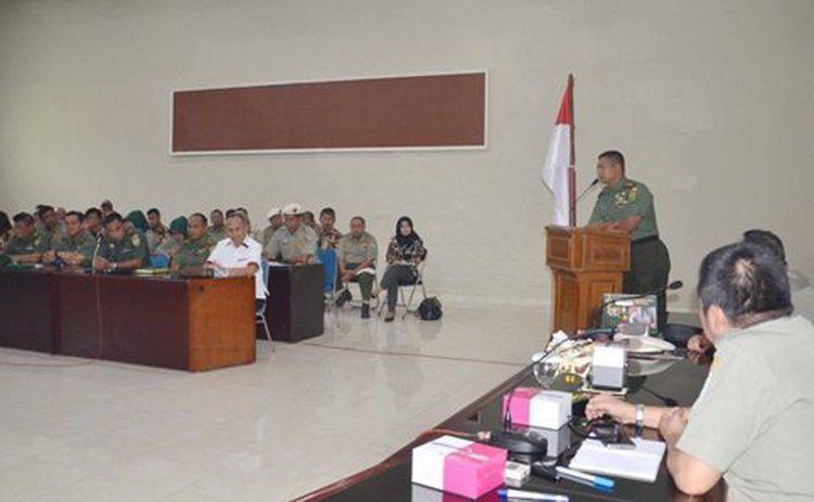 Kasrem Lepas Peserta Penataran Kader Organisasi Tingkat Purna (Tarkorna) Angkatan Ke XIV