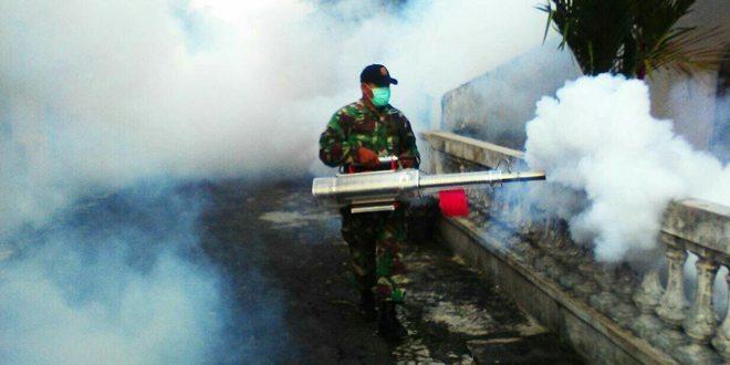 Babinsa Koramil 07/Ngemplak Melaksanakan Fogging