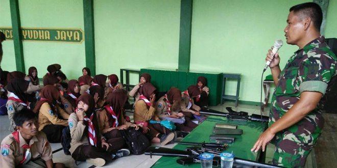 Kodim Bojonegoro Bekali Pengetahuan Senjata Kepada Anggota Saka Wira Kartika