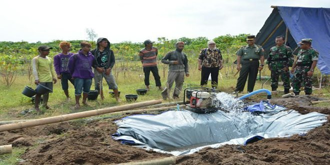 Korem 072/Pmk Bangun Peternakan Ayam di Ambal