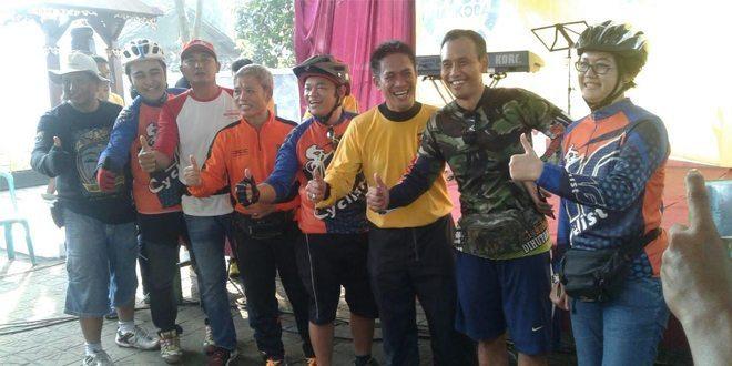 Sosialisasikan 3 Pilar Kab. Kediri sambil Bersepeda dan Jagongan Kamtibmas