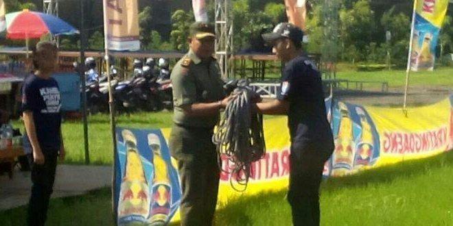 Kodim 1207/BS Bina Atlet Muda Buka Kejuaraan Panjat Tebing di Pontianak