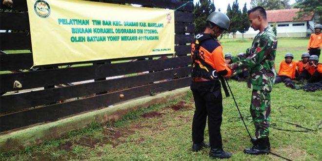 Tim SAR Binaan Koramil 06/Grabag Dilatih Mountenering