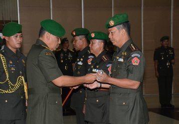 Sertijab Danpusdiktop Dan Danpusdikzi Kodiklat TNI AD