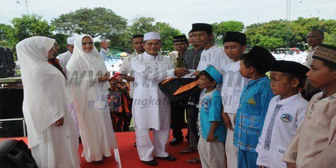 Korem 063/Sgj Gelar Tausiyah dan Dzikir Akbar Dalam Rangka HUT ke-70 Kodam III/Slw