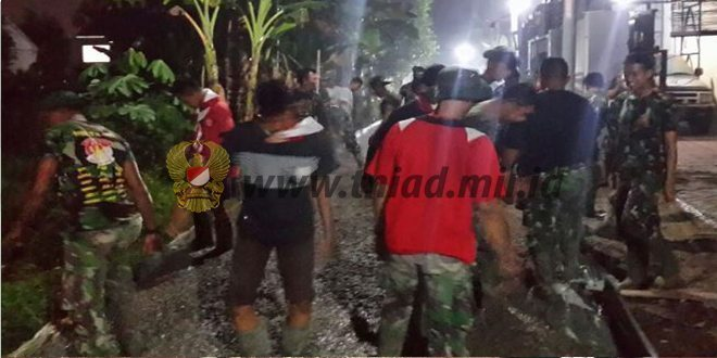 TMMD Fisik ke- 96 Wilayah Kodim 0507/Bekasi Melaksanakan pengecoran