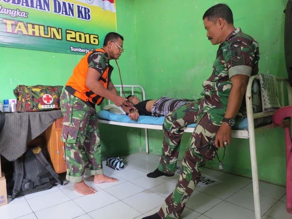 Tim Kesehatan Kodim 0814 Jombang Pantau Kesehatan Masyarakat