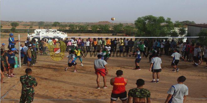 Prajurit TNI Satgas Indobatt-02 Olahraga Bersama Masyarakat Lokal Darfur