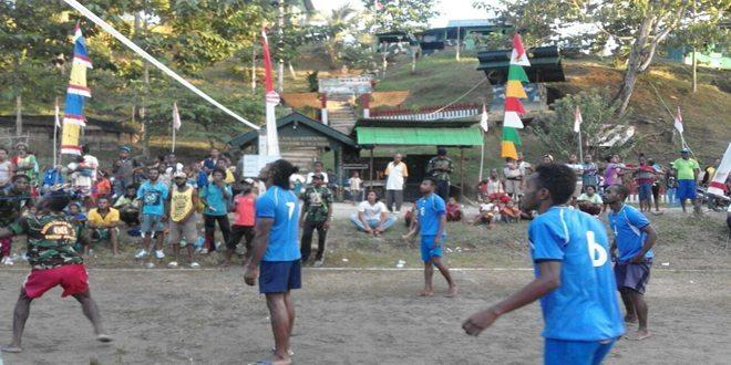 Ciptakan Keharmonisan Antar Kampung, Satgas Yonif Para Raider 431 Kostrad Gelar Pertandingan Bola Volly