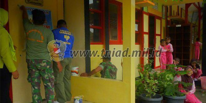 Satgas TMMD Melakukan Bhakti Sosial di SDN Trengguli