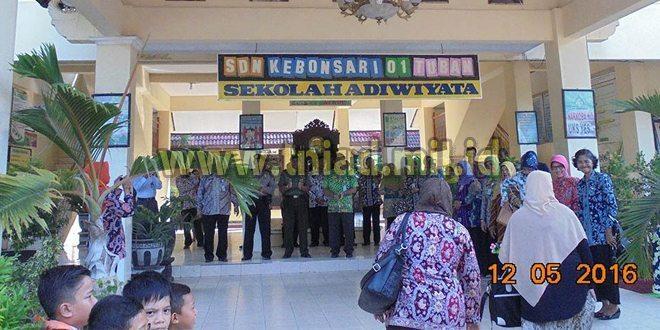 Danramil 0811/01 Tuban, Bangga SDN 01 Kebonsari Raih Penghargaan Sekolah Adiwiyata Mandiri Tingkat Nasional