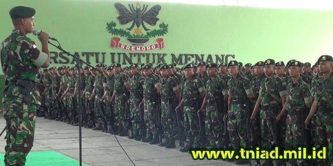 Danyon Mekanis 413 Kostrad Pimpin Apel Persiapan Serpas Satgas Pamtas RI-PNG Yonif Mekanis 413 Kostrad menuju Pelabuhan Tanjung Emas Semarang