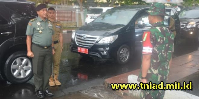 Dirdik Akademi TNI Kunjungi Masatlatnus I/Macan Di Sungailiat
