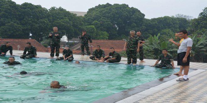 Perwira Secapaad Harus Mampu Renang Militer