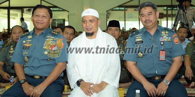 Panglima TNI : Jadikan Peringatan Isra Mi'raj sebagai Sarana Tingkatkan Iman dan Taqwa