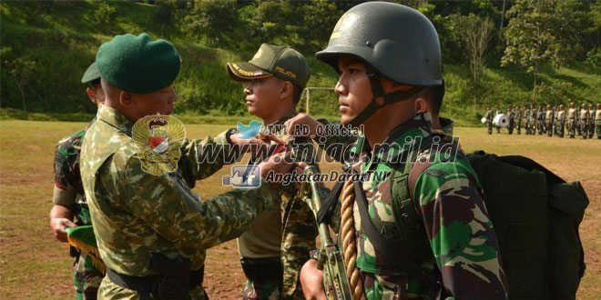 Yonif Linud 433/JS Kostrad Latihan Pembentukan Raider