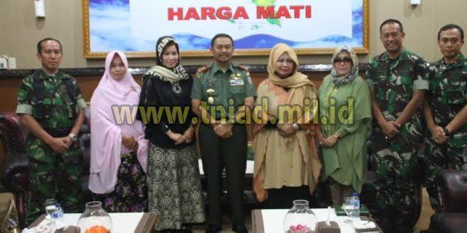 Komite Perempuan Aceh Bangkit Datangi Kodam IM