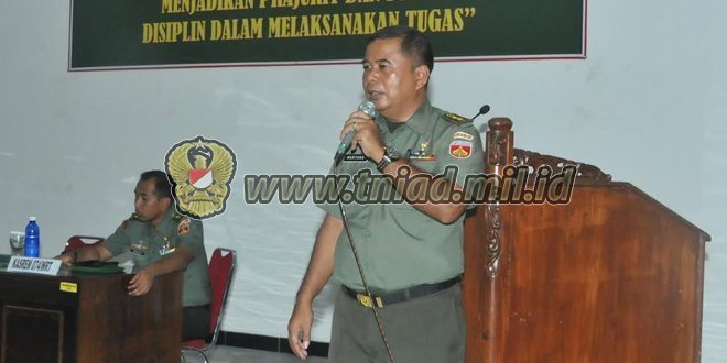 Prajurit Dan PNS Korem 074/Warastratama Mendapat Penyuluhan Hukum