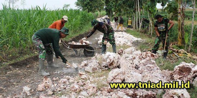 Pekerjaan TMMD Jalan Makadam Desa Gadu Sudah 670 Meter