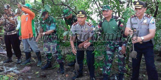 Gerakan Penghijauan, Kodim 0830/SU Tanam Mangrove di TPI Benowo