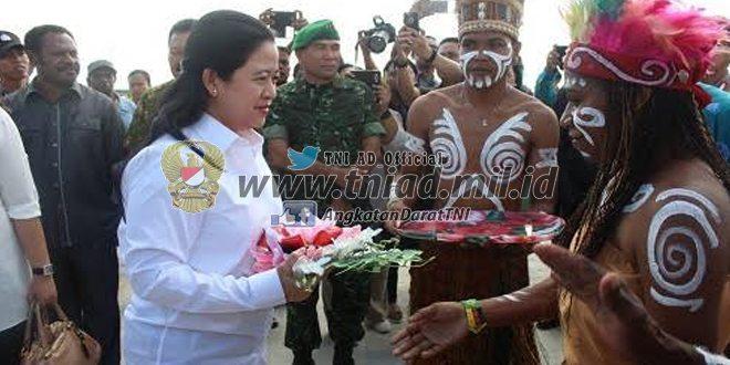 Penjemputan Menteri Koordinator Pembangunan Manusia dan Kebudayaan Republik Indonesia di Kaimana