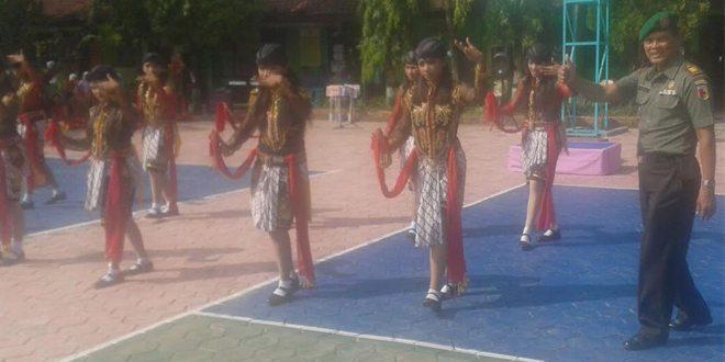 Hasil Karya Siswa/Siswi SMPN 1 Balong Kabupaten Ponorogo Meriahkan Hardiknas Tahun 2016