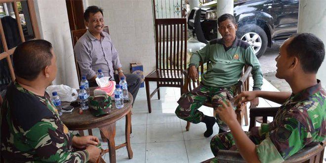 Kasdim Cek Rumah Warga Yang Akan Ditempati Pasukan saat TMMD
