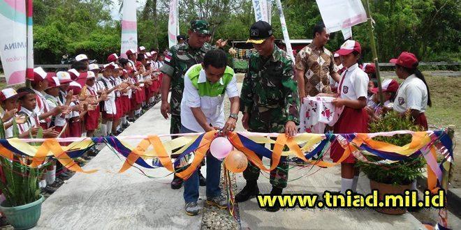Di Hari Pendidikan Nasional, Satgas Yonif 406/CK Bersama Pertamina Resmikan Sekolah SD Yang Baru Dibangun