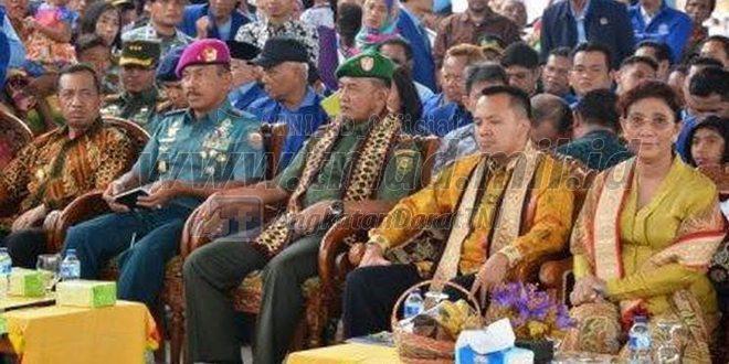 Pangdam II/Sriwijaya Mendampingi Menteri Kelautan Dan Perikanan RI Pada Acara Peringatan HNSI Ke-43 Tahun 2016