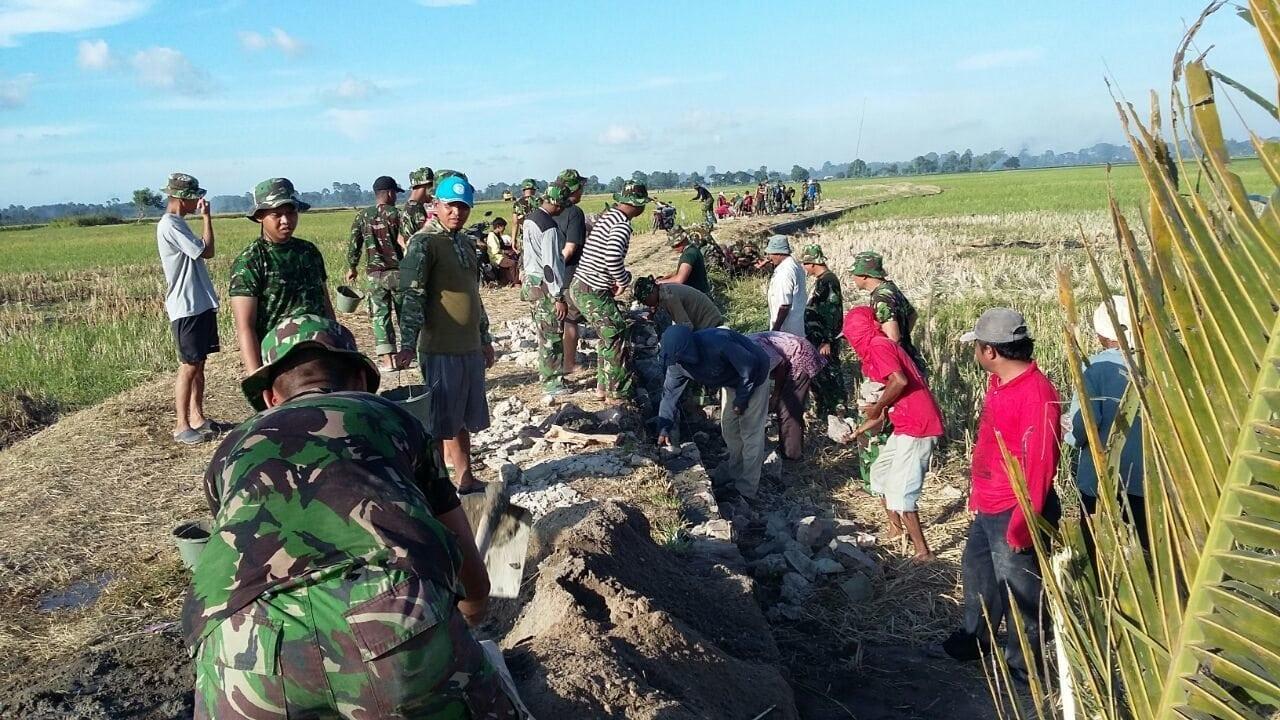 TMMD Fisik Wilayah Kodim 0506 Tangerang Membangun Jalan Desa Sepanjang 625 M