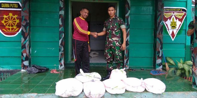 Satgas Yon Armed 12/Kostrad Amankan 7 Karung Miras Jenis Cap Tikus