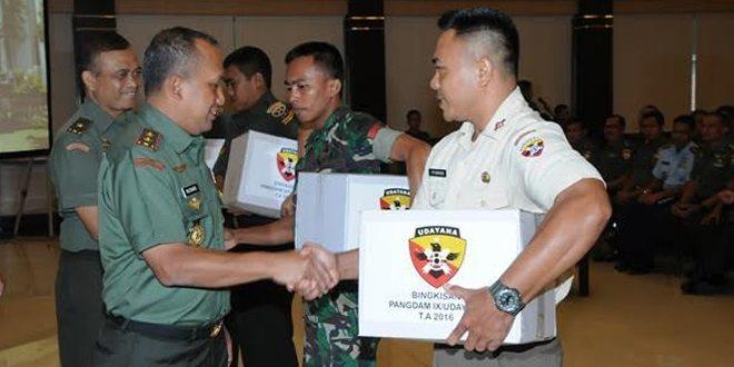 "Pangdam IX/Udayana "" Prajurit PNS, Bersyukurlah Dengan Perbuatan"""