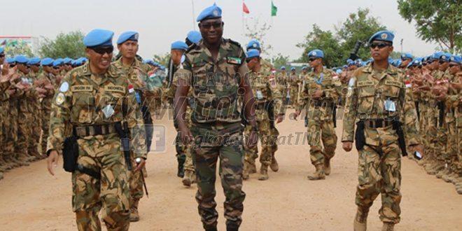 Meninjau tentara perdamaian forex